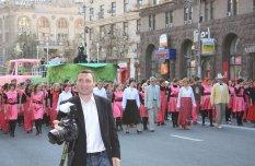 Майдансеры на Киевском  параде Юморина 2012 по размаху и количеству участников затмили Одесскую  Комедиану